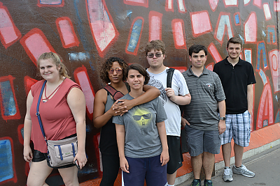 Students at the Berlin wall