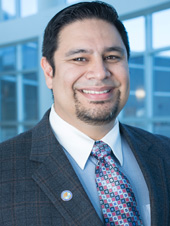 Headshot of Dr. Eleazar Vasquez